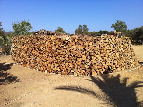 Lobina legnami legna da ardere villasimius rivendita for Legna da ardere prezzi